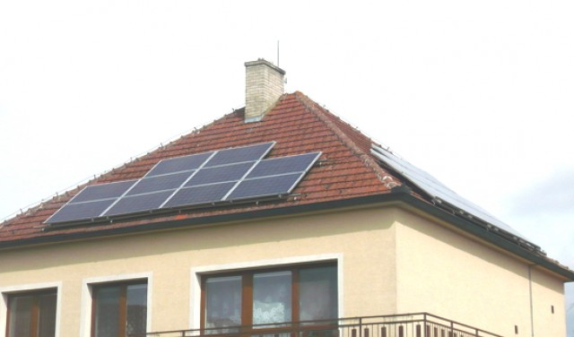 Fotovoltaická elektrárna na RD Zlín s dotací Nová zelená úsporám
